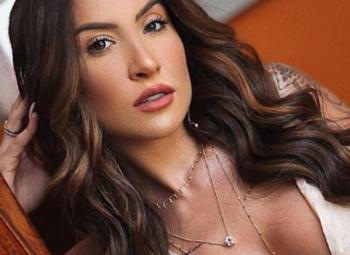 imagem da influencer Bianca Andrade usando brinco dourado para festa